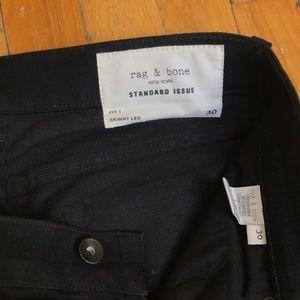 Rag and Bone Men's Skinny Jeans. Black. Size 30